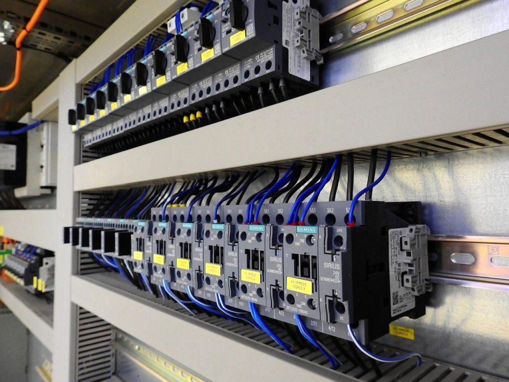 Elektriker Amager tilbyder alt i el ✅ Har du brug for autoriseret døgnvagt, døgnservice elektriker Amager, ring nu så er vi der indenfor 30 minutter
