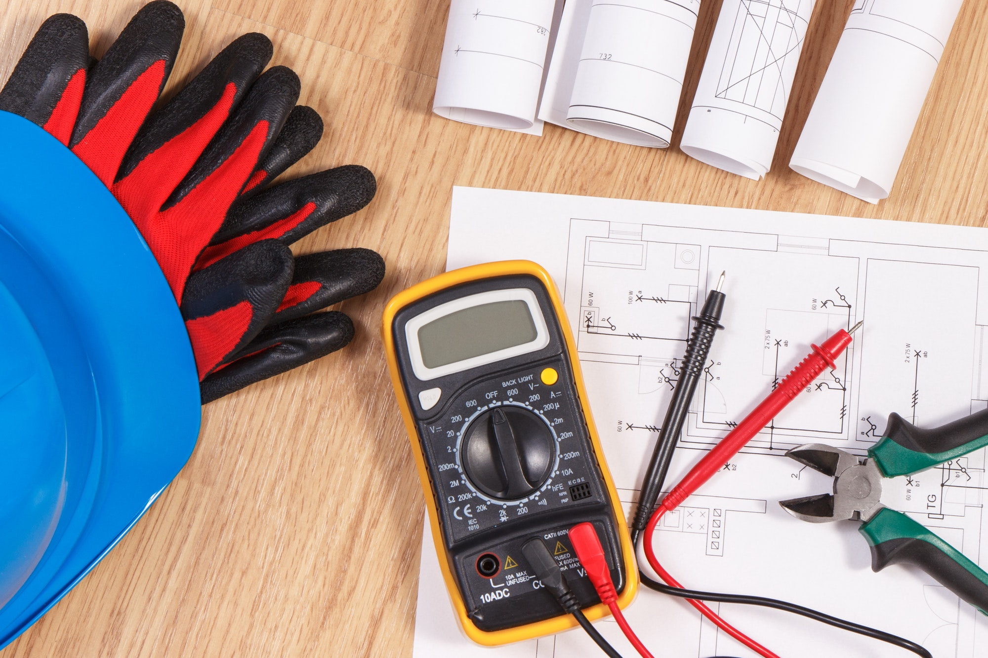 Electrical drawings, multimeter for measurement in electrical installation