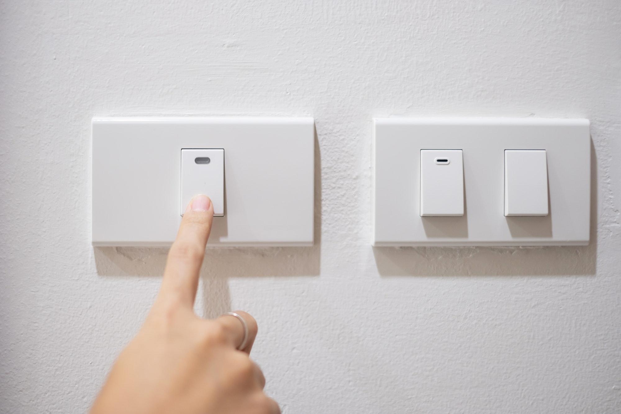 Brug for en akut elektriker lørdag eller søndag⭐ Vi tilbyder autoriseret døgnservice elektriker weekend og helligdage → lørdage og søndage