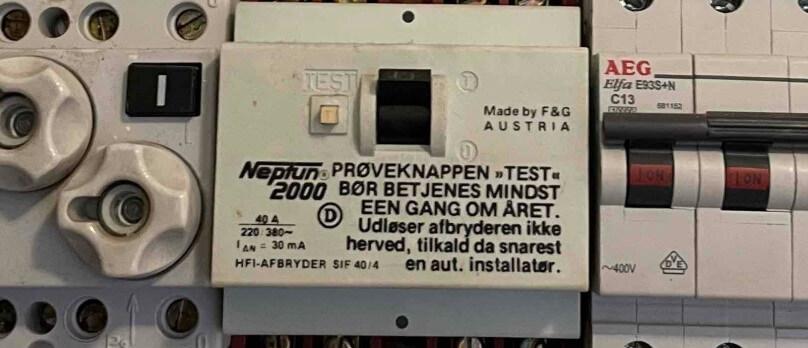 Eltavle med både smeltesikringer og automatsikringer bør udskiftes, mener Autoriseret Elektriker Amager