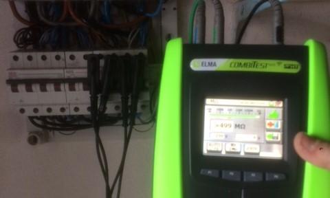 Elektriker Amager udfører el-service og elektriker ydelser i København S - billeder måler vores elinstallatør el