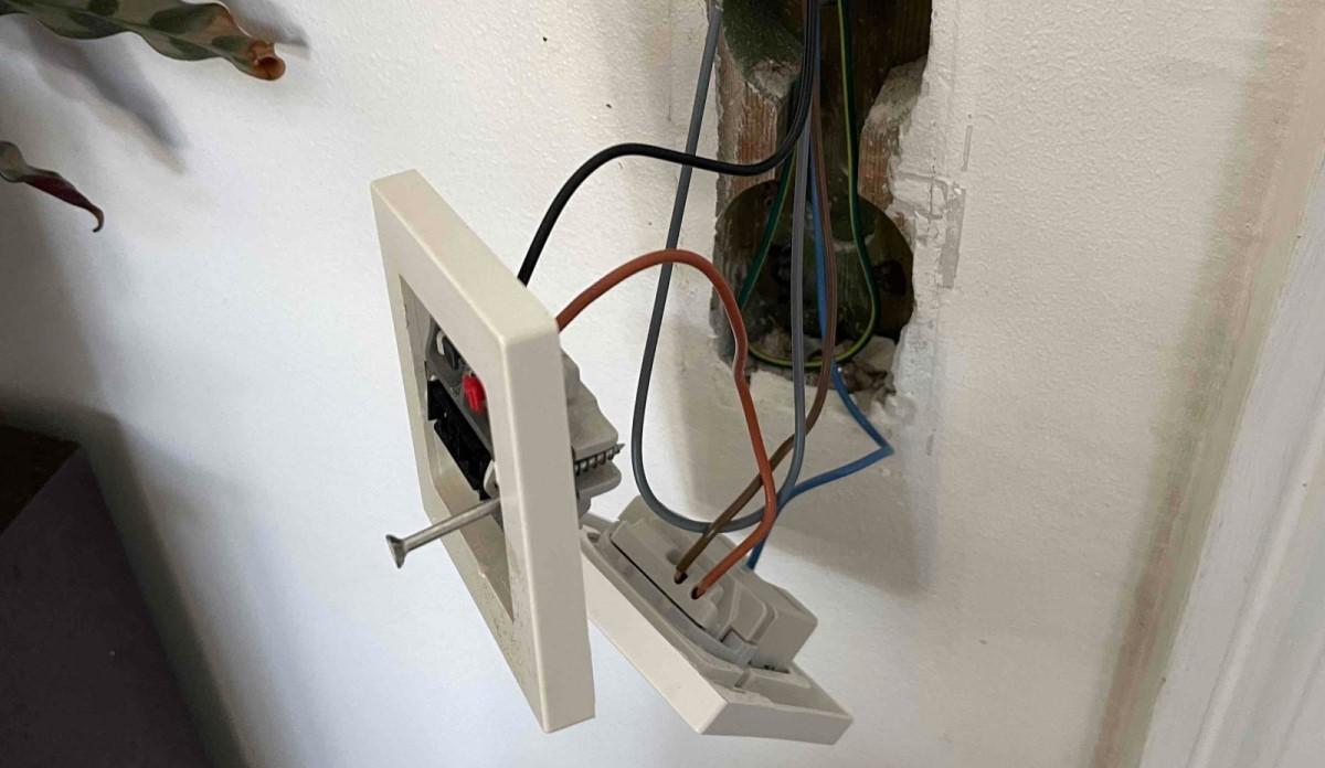 Ser din elinstallation ud sådan, så skal du måske overveje at kontakte Autoriseret Elektriker Herlev