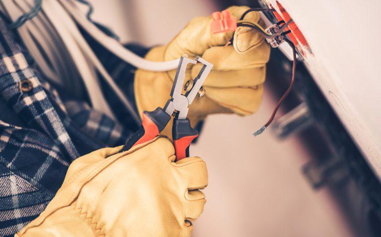 Hvad skal du gøre ved strømsvigt, ring elektriker døgnvagt